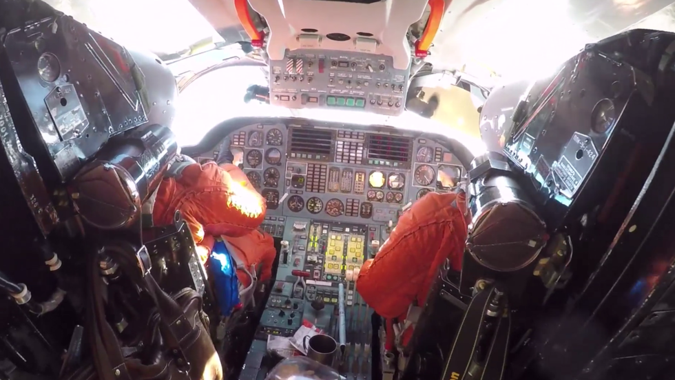 Watch Russian Tu-160s drill with Venezuelan jets from INSIDE strategic bomber's cockpit (VIDEOS)