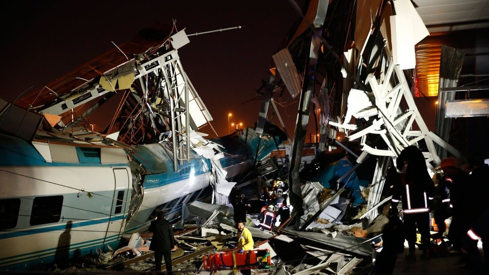 High-speed train crashes in Turkey kills 9