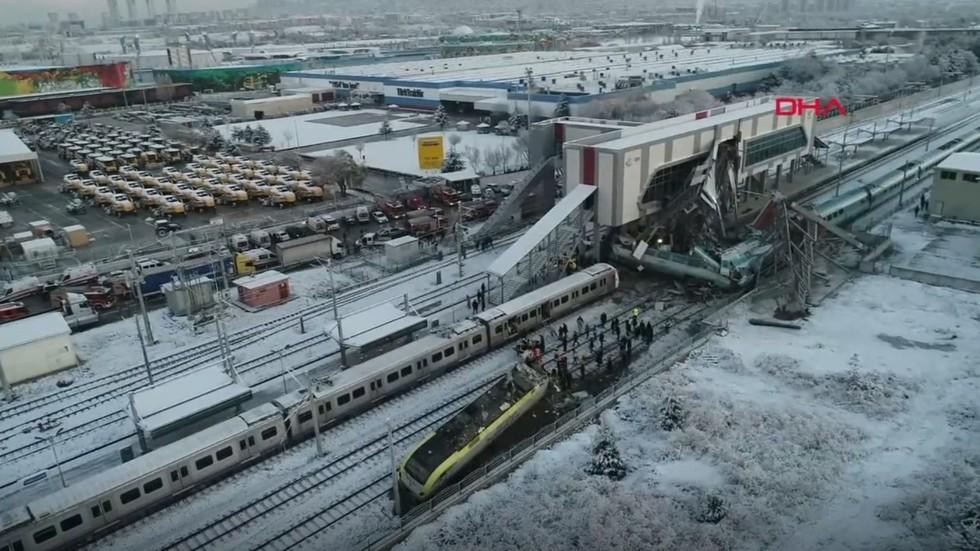 At least 4 killed, 43 injured in high-speed train crash in Turkey (PHOTOS, VIDEOS)