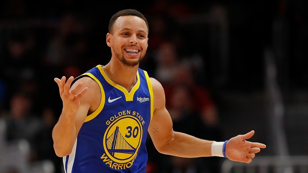 Steph Curry continues to get trolled for comments about moon landing