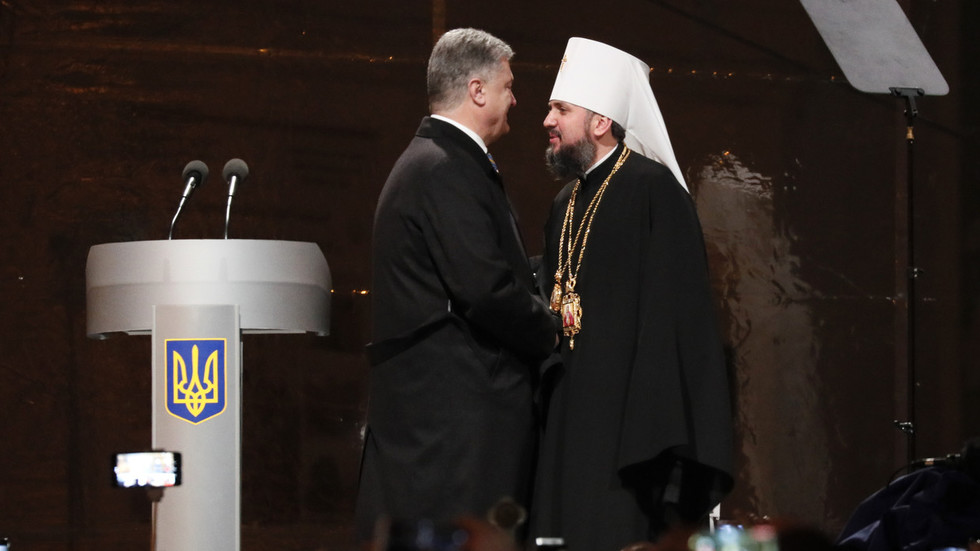 US Orthodox priest blasts splitting of Ukrainian Church from Moscow as Poroshenko's election ploy