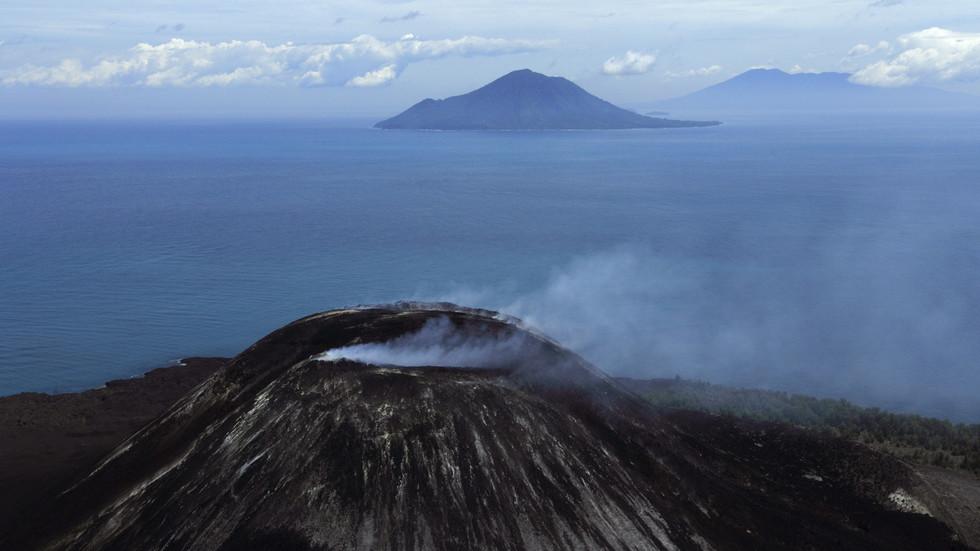 At least 62 dead, hundreds injured as tsunami hits Indonesia coastal areas