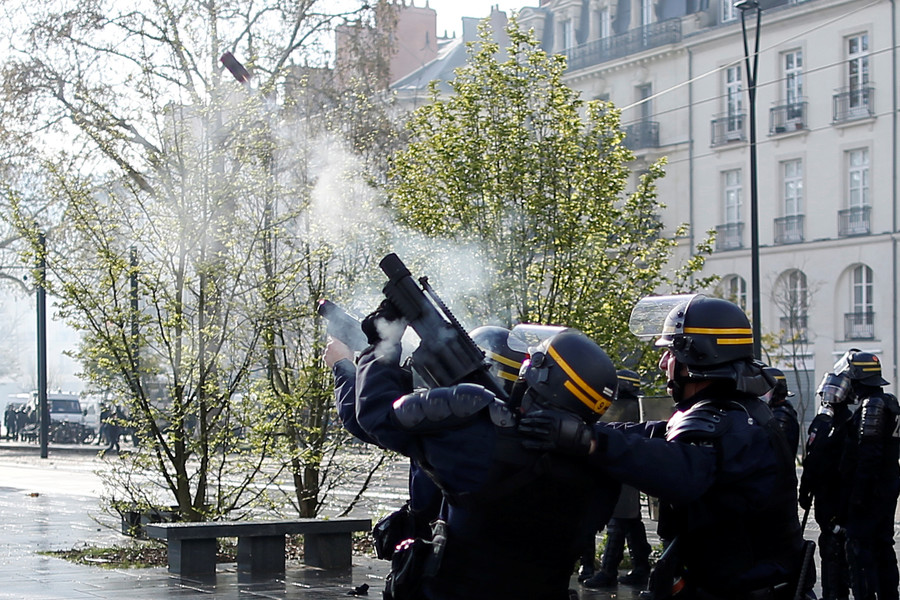 80yo woman dies after being hit in face by projectile amid Yellow Vest protests