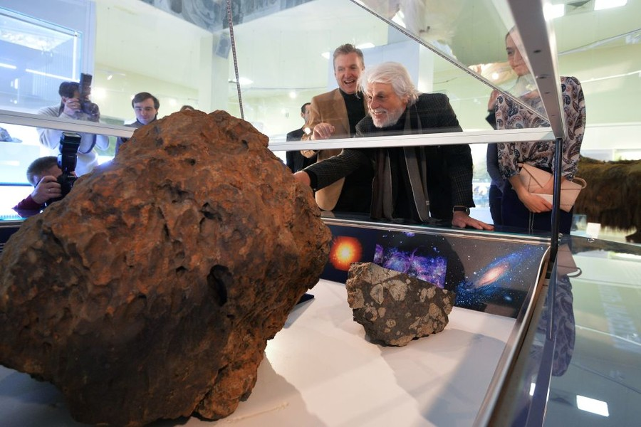Chelyabinsk meteor theft: Court sentences cheeky Russian scientist in scandalous case