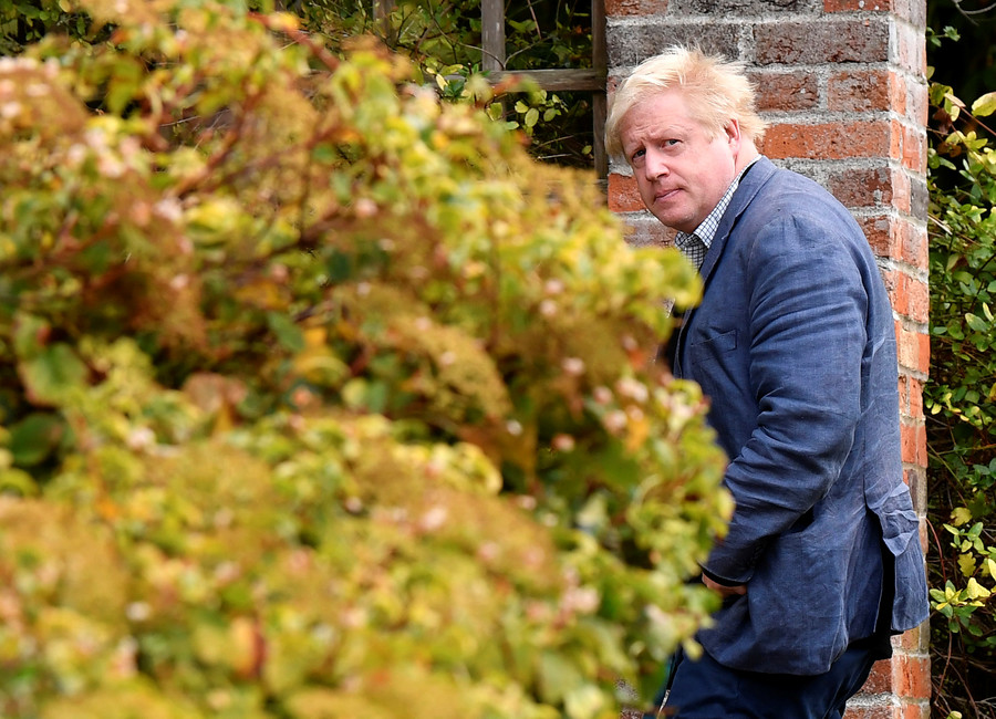 Boris Johnson ordered to say sorry after failing to declare almost £53,000 in outside income (VIDEO)