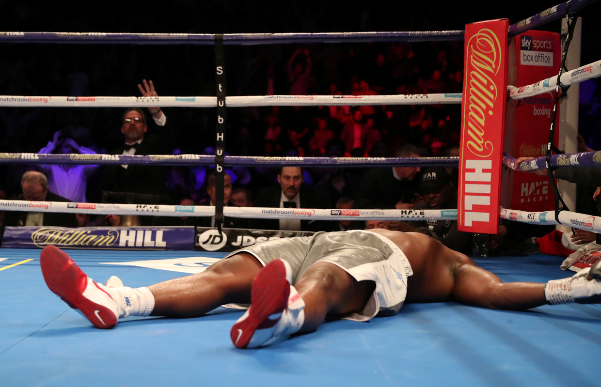 Dillian Whyte knocks out Dereck Chisora in gruelling heavyweight contest