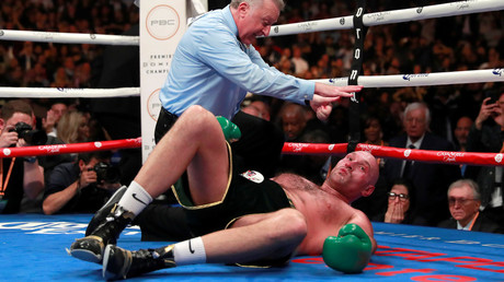 5c03cf64dda4c8d1458b45b4 'I knew it was going to happen': Ex-champ Lennox Lewis & others slam Fury v Wilder scorecards