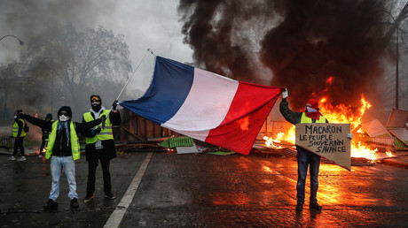 Elysee fears 'putschists', coup attempt during Yellow Vests protests this weekend – media