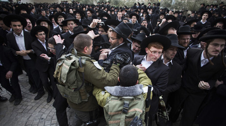 WATCH Ultra-Orthodox Jews clash with police over military draft (VIDEOS)