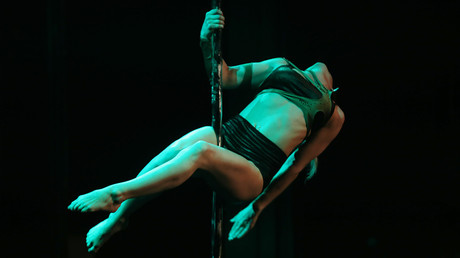Little Bo Peep-show? Outrage as pole dancer takes to stage in front of minors (VIDEO)