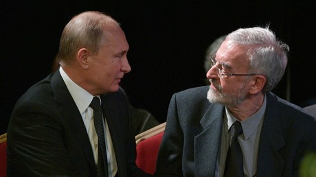Putin attends funeral of legendary rights advocate Alekseeva (VIDEO)