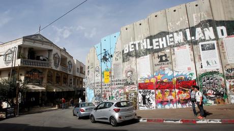 Bethlehem mayor on the occupation of his city, Michael Sandle on West's regime-change wars (E694)