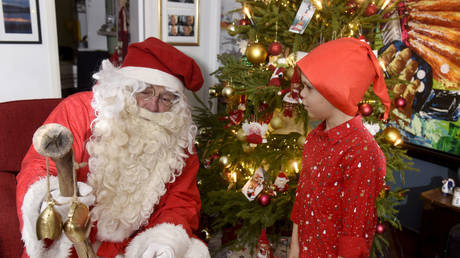 5c23f3cadda4c8fd3f8b4631 Bringing Santa to justice? German boy upset by his Christmas presents so he calls … the police