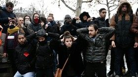 People re-enact French students' arrest by police that sparked outcry (PHOTO, VIDEO)
