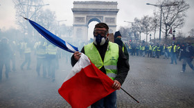 French opposition rejects Macron's concessions to Yellow Vests, some demand 'citizen revolution'