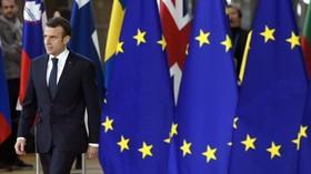 'Unlike de Gaulle, Macron doesn't incarnate French nation'
