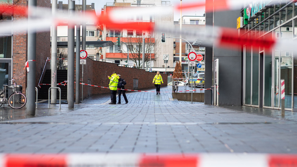 'Targeted attack': 4 injured, incl Syrians, after man tries to ram car into people in Germany