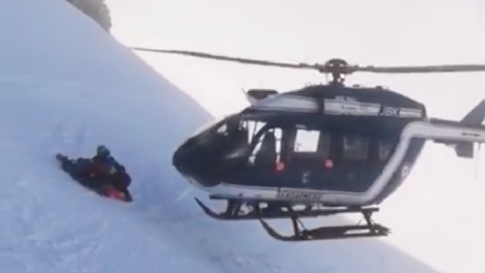 Pilot shows off nerves of steel with incredible close-call Alpine rescue (VIDEOS)