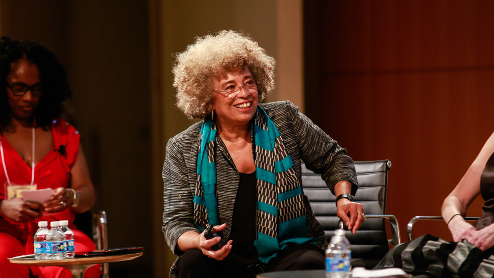 Resignations rock US civil rights institute after it strips Angela Davis of award over pro-BDS views
