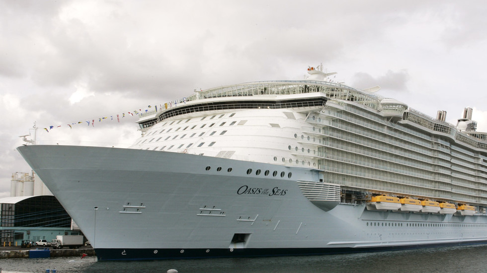 Caribbean cruise nightmare: Norovirus outbreak infects nearly 300 & forces emergency U-turn