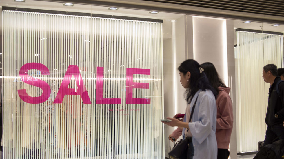 Not worth it? Chinese resellers cut iPhone prices after Apple bombshell warning