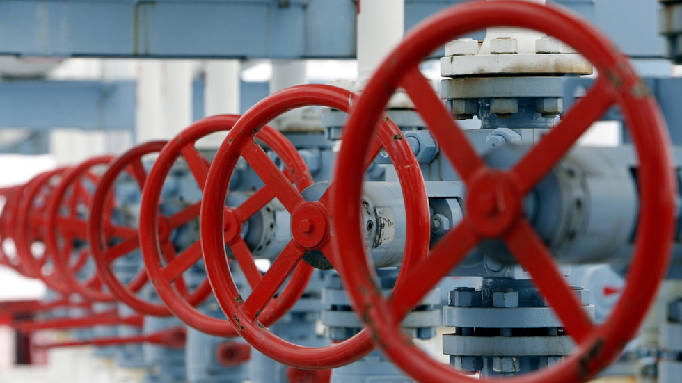 United States considers hitting Venezuela with oil embargo