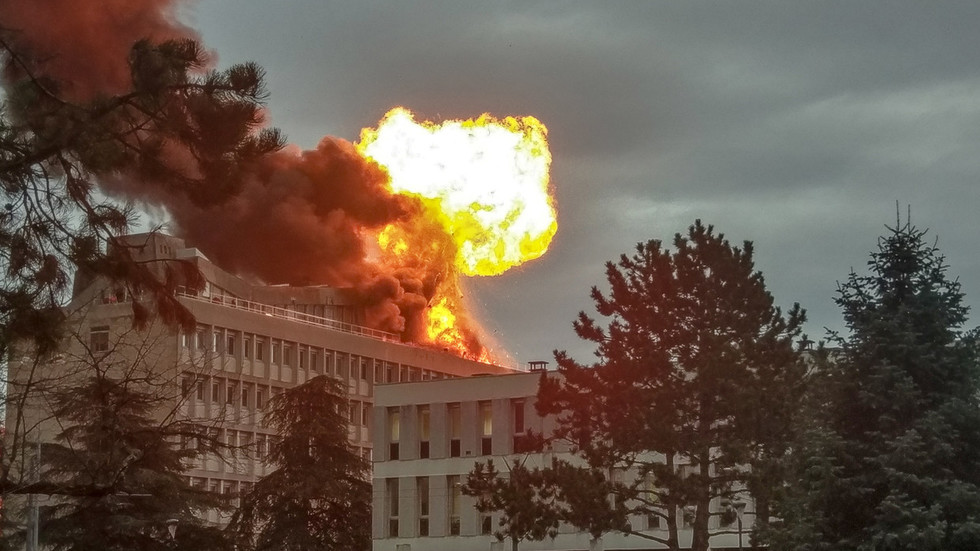 Huge gas explosion rocks university in Lyon, France