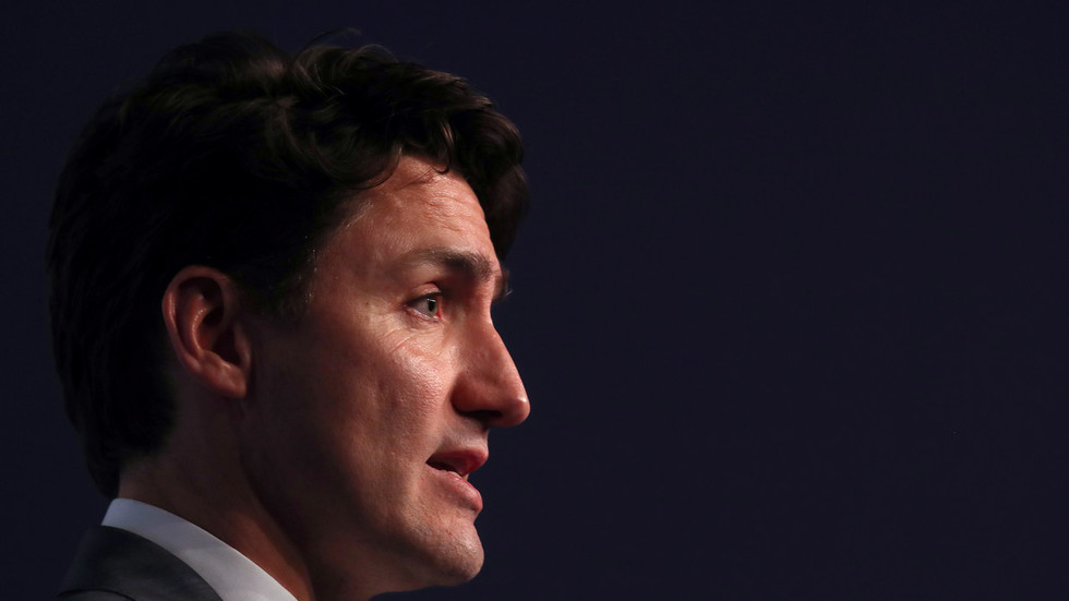 Twitter up in arms after Trudeau says he'll 'continue to condemn BDS'