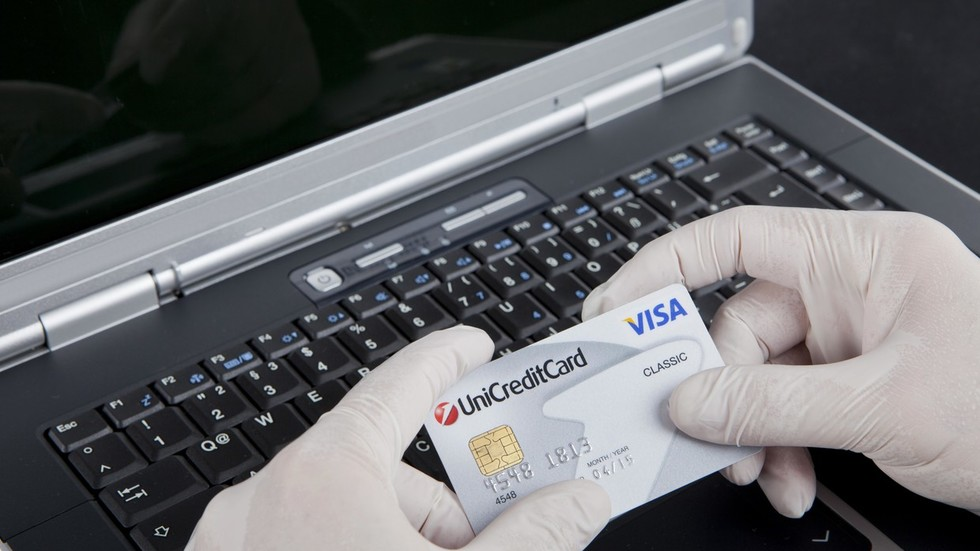 Hackers using fake 'Flash Player' Google Chrome extension to steal credit card data
