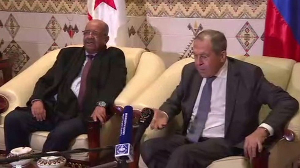 Watch Russian Foreign Minister Lavrov 'shake hands' with microphone during Algeria meeting