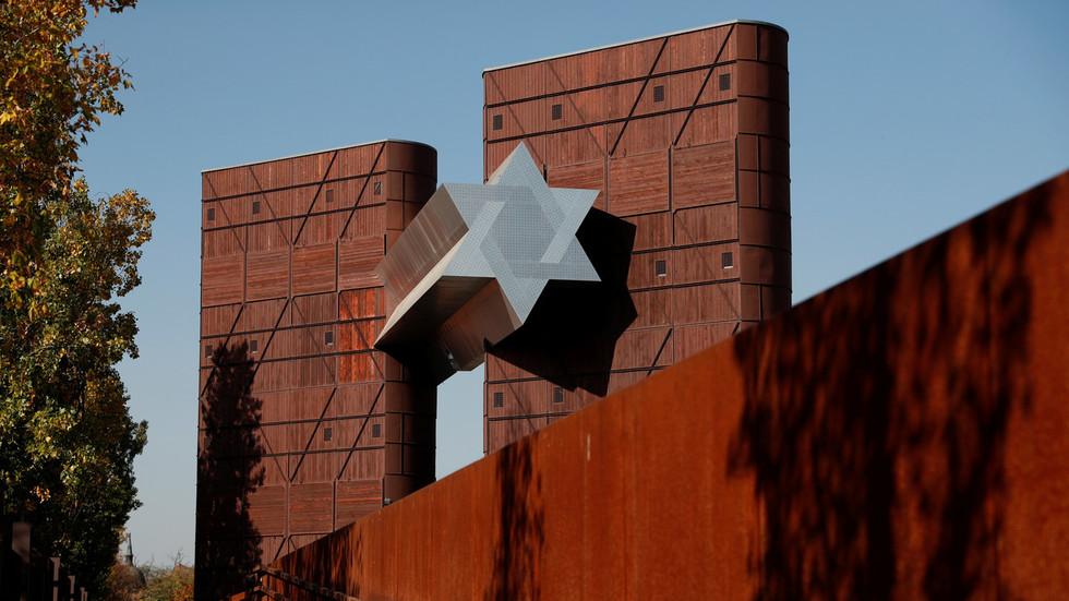Mass Holocaust-denial 'infecting' Eastern Europe – study