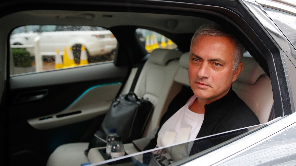 Mourinho rules himself out of Benfica job