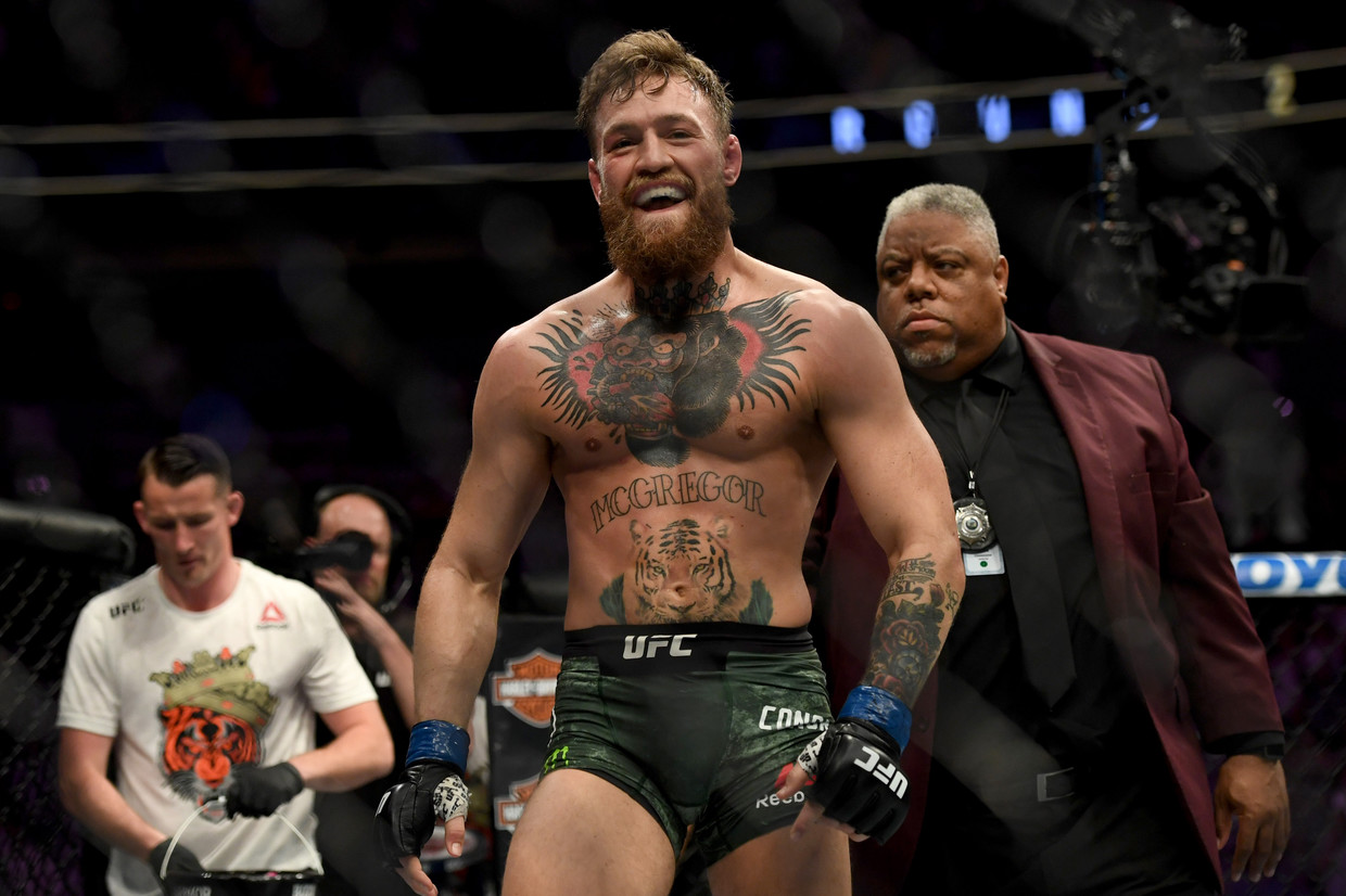 Paulie Malignaggi issues high-stakes challenge to Conor McGregor