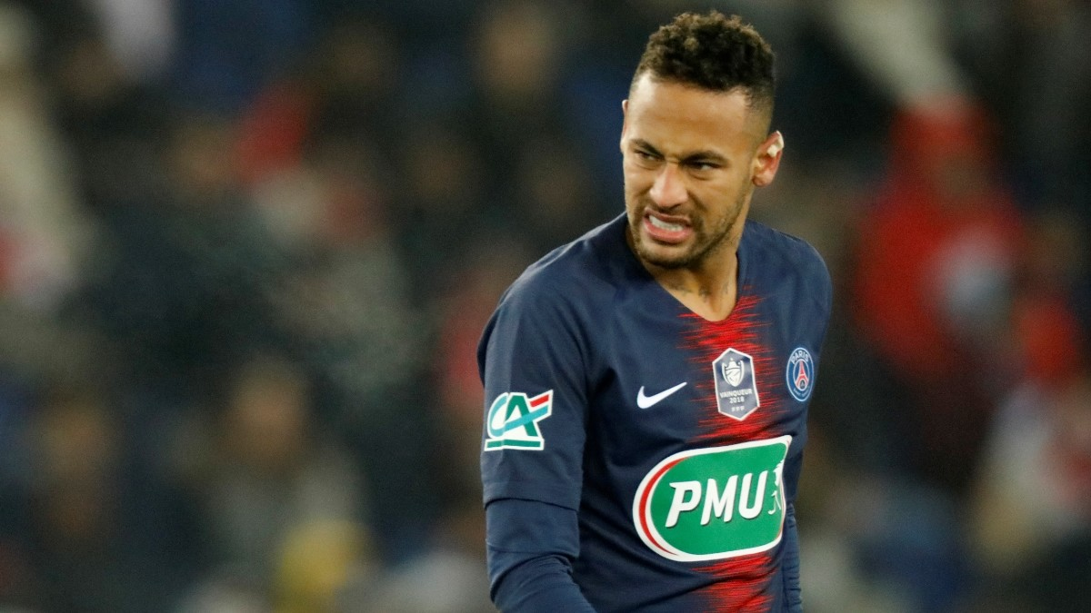 Neymar a doubt for Manchester United game after suffering ankle injury