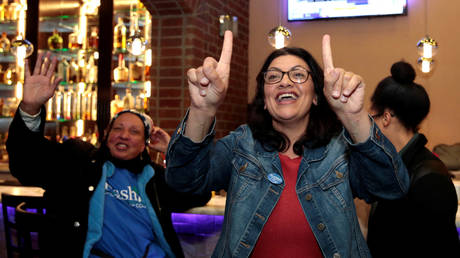 Rashida Tlaib celebrates at her midterm election night party in Detroit, Michigan, U.S. November 6, 2018 © REUTERS/Rebecca Cook
