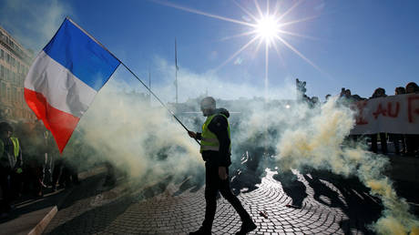 Macron's 'grand national debate' is like 'SLEEPING GAS,' Yellow Vests say