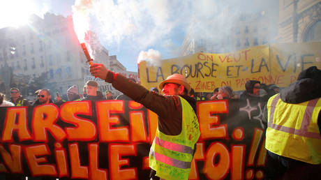 From Paris to Marseille: Act 11 of Yellow Vest protests gets heated (VIDEOS)