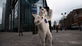 Fat Cat Friday: FTSE 100 bosses earn more in 3 days than average worker's annual salary