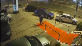 MMA fighter destroys bank branch in Moscow, walks out to be arrested (VIDEO)
