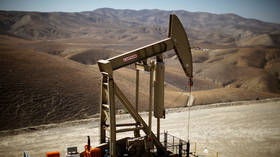 Evidence mounts for shale slowdown