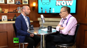 Psychic medium Harry T reads Larry King's audience