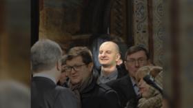 Ukrainian neo-Nazi mob boss pictured next to Poroshenko in church inauguration ceremony