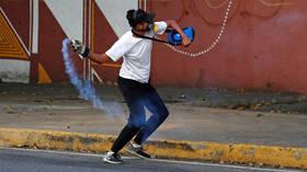 Gunshots, Molotovs: Skirmishes in Caracas as Venezuela upheaval escalates (VIDEOS)