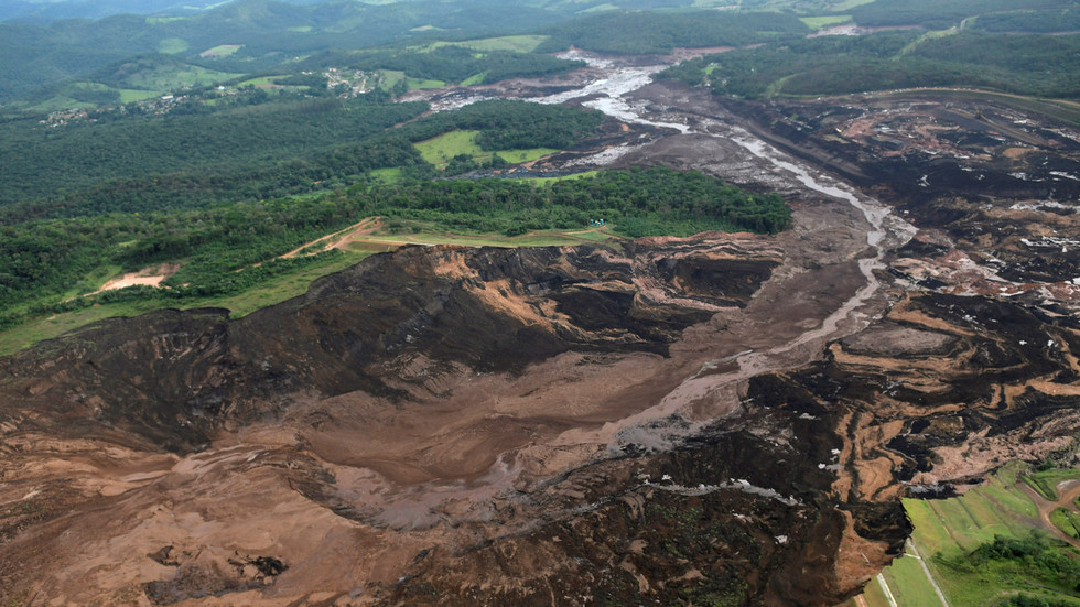Awful moment of colossal Brazil dam collapse caught on CCTV