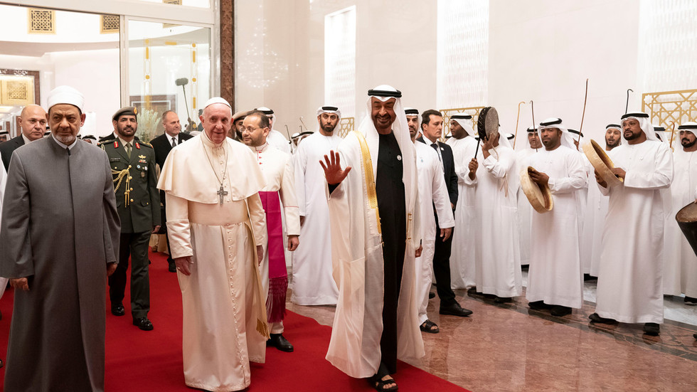Pope Francis, who denounced Yemeni bloodshed, gets red carpet welcome in perpetrator UAE