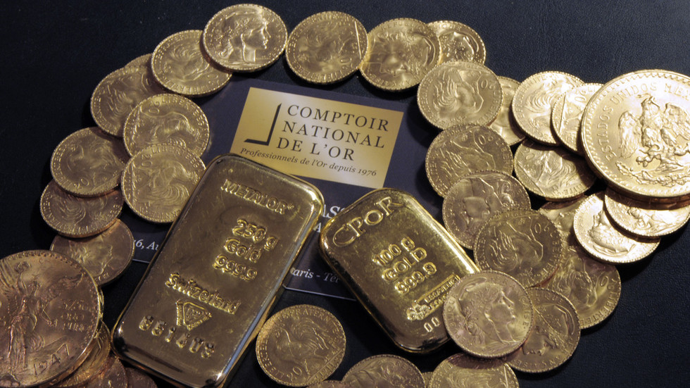 Swimming in gold: Postal error sees bikini package swapped for ingots