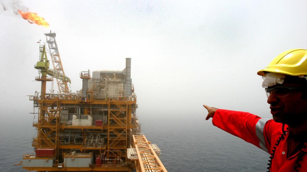 Europe shuns Iranian oil despite US sanctions waivers