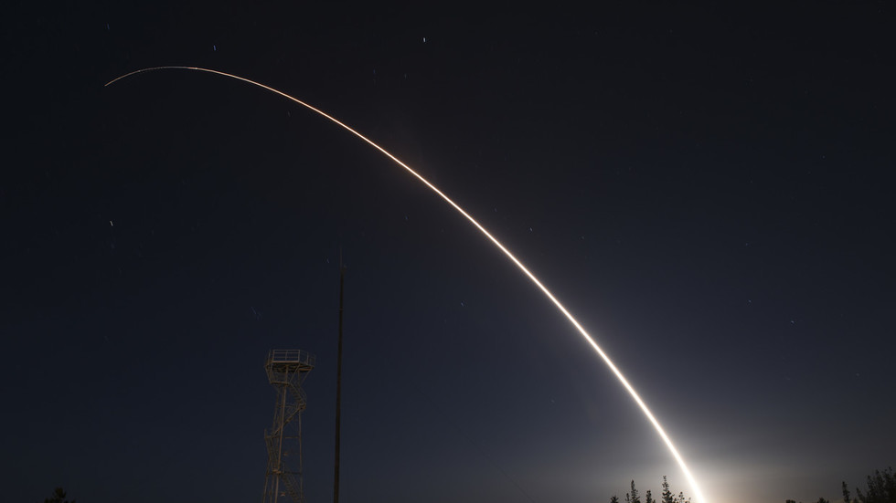 US test-launches Minuteman ICBM from southern California (VIDEO)