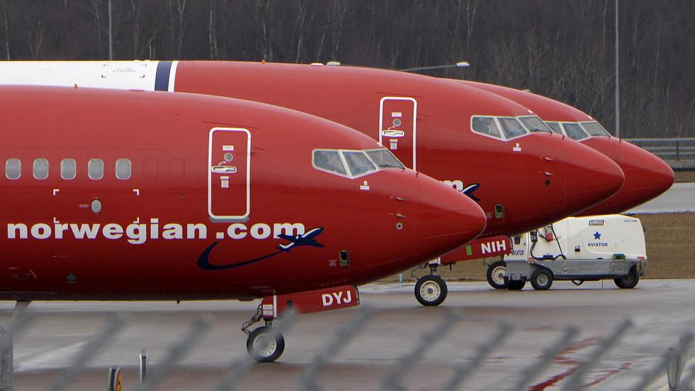 Bomb threat forces Norwegian passenger plane to make emergency landing in Sweden