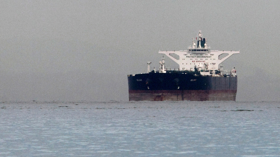 US tells Iran's oil customers not to expect new waivers